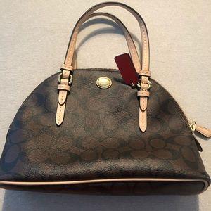 COACH Classic Design Handbag - Perfect Condition